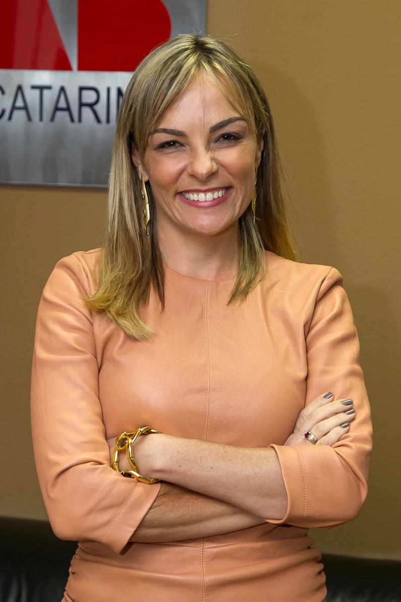 Ana Cristina Ferro Blasi - Secretária-Geral