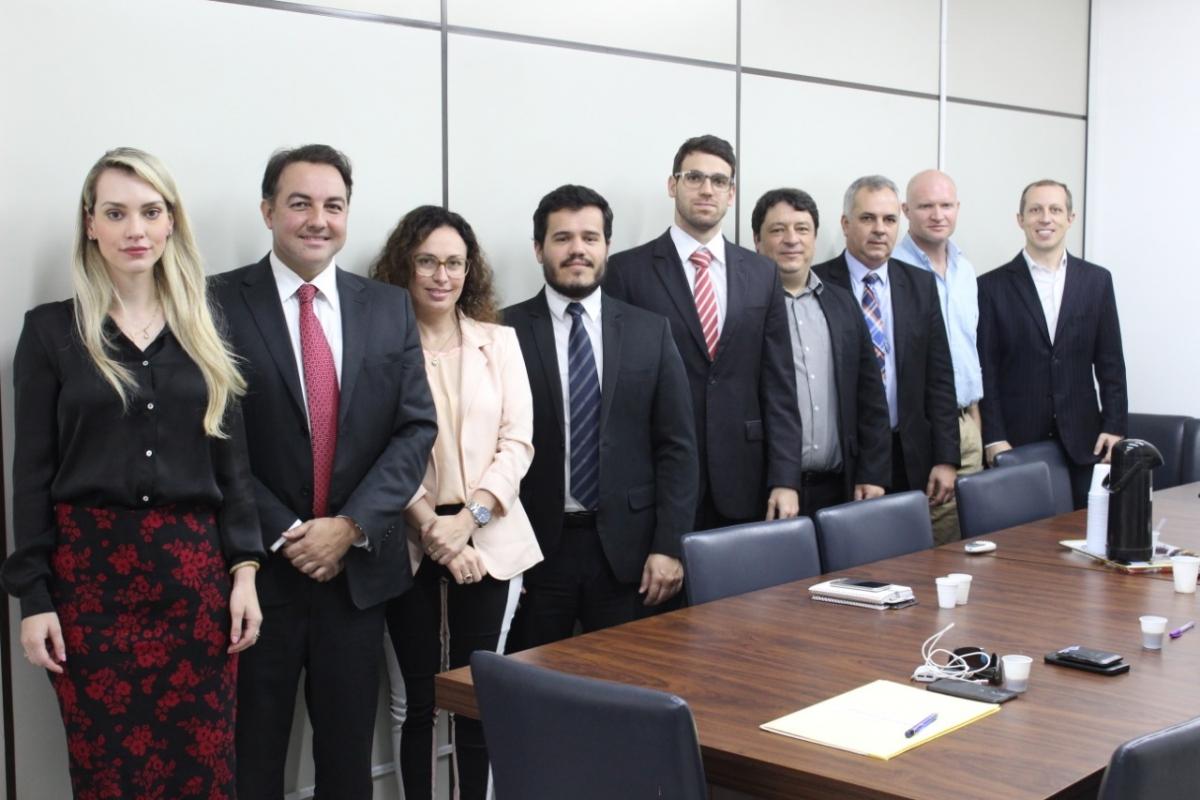 Reunião da Comissão na OABSC.jpeg